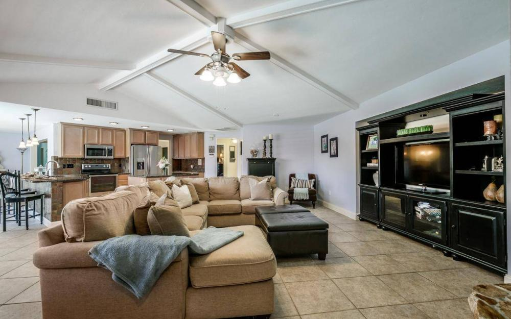 1347 Claret Ct, Fort Myers - Home For Sale 776263835