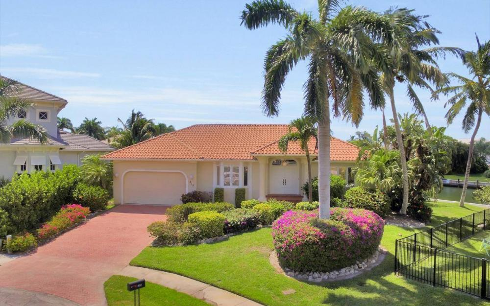 818 Magnolia Ct, Marco Island - Home For Sale 375859311