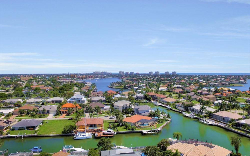 818 Magnolia Ct, Marco Island - Home For Sale 1290235338