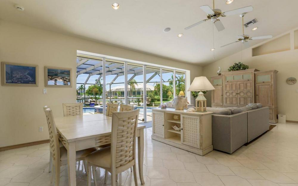 818 Magnolia Ct, Marco Island - Home For Sale 524561862