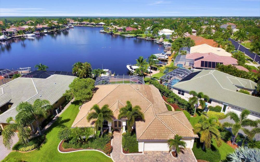 5512 Harbour Cir, Cape Coral - Estate Home For Sale 133658116