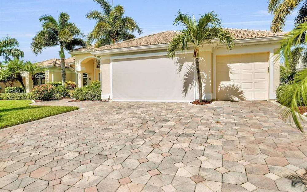 5512 Harbour Cir, Cape Coral - Estate Home For Sale 1402481342
