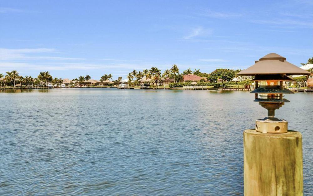 5512 Harbour Cir, Cape Coral - Estate Home For Sale 374308400