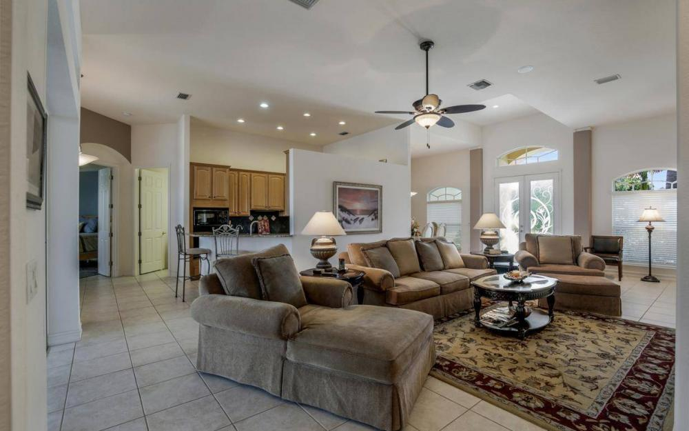 5512 Harbour Cir, Cape Coral - Estate Home For Sale 1137898706