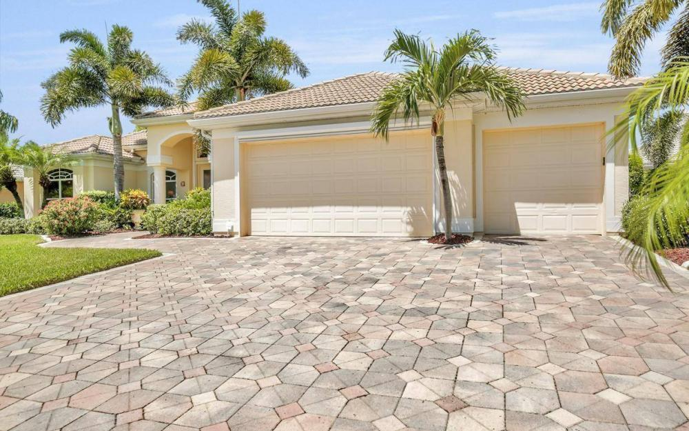 5512 Harbour Cir, Cape Coral - Estate Home For Sale 2054068800