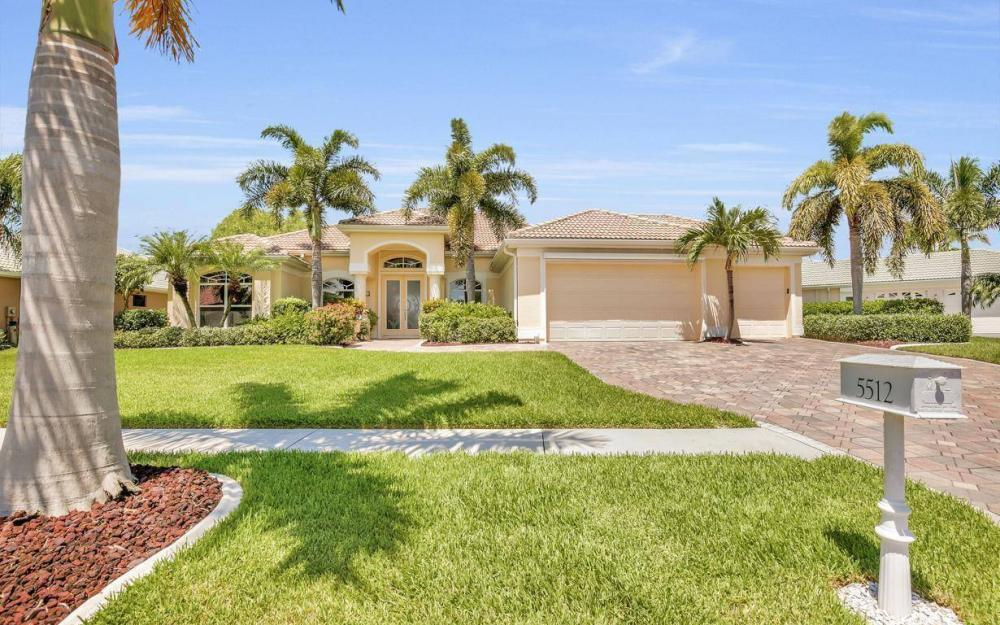 5512 Harbour Cir, Cape Coral - Estate Home For Sale 583821995