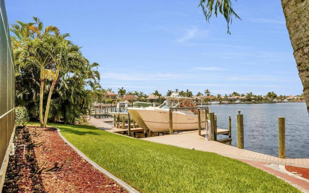 5512 Harbour Cir, Cape Coral - Estate Home For Sale 457995166