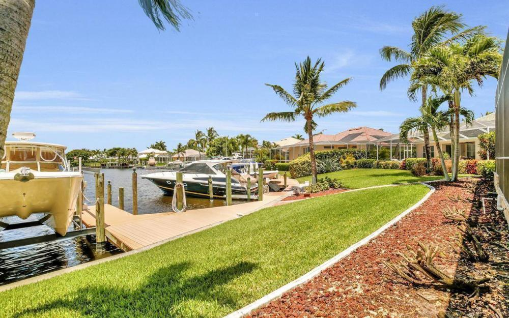 5512 Harbour Cir, Cape Coral - Estate Home For Sale 1233045558