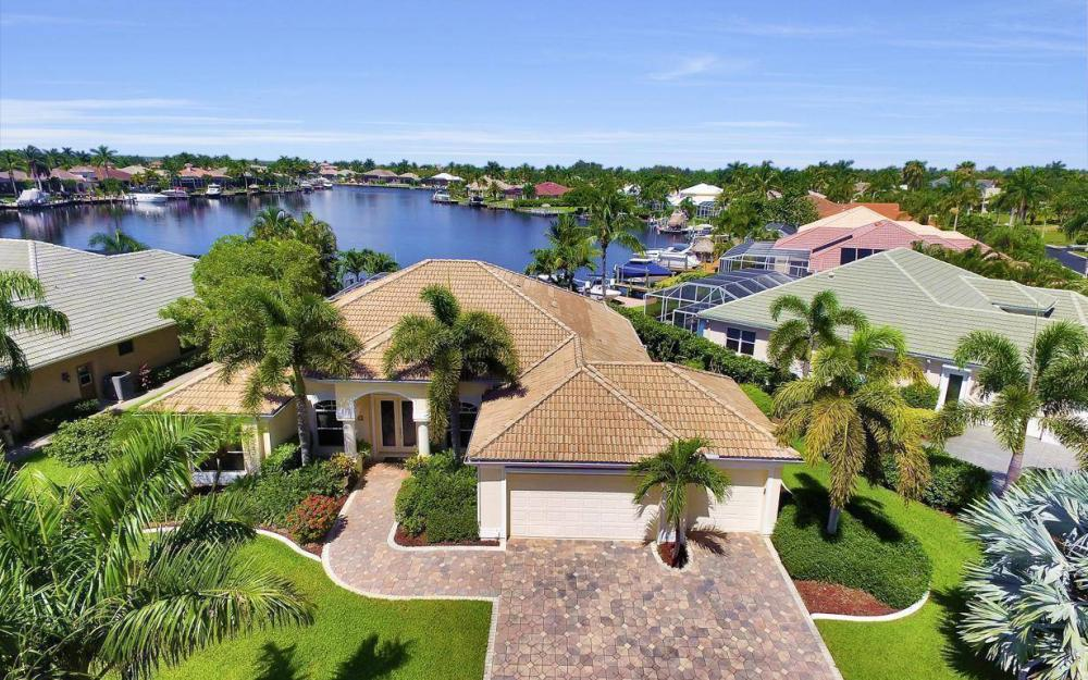 5512 Harbour Cir, Cape Coral - Estate Home For Sale 892033028