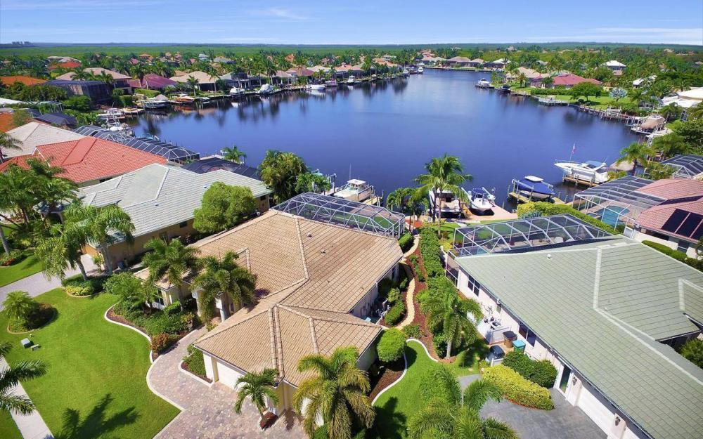 5512 Harbour Cir, Cape Coral - Estate Home For Sale 937018276