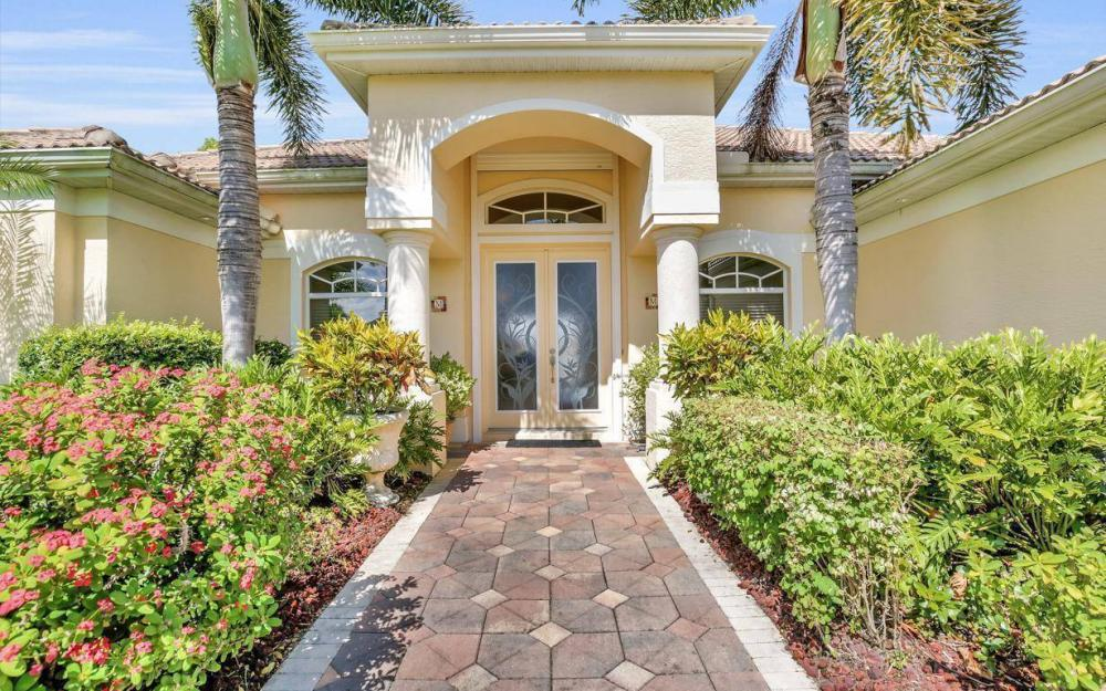 5512 Harbour Cir, Cape Coral - Estate Home For Sale 939231196
