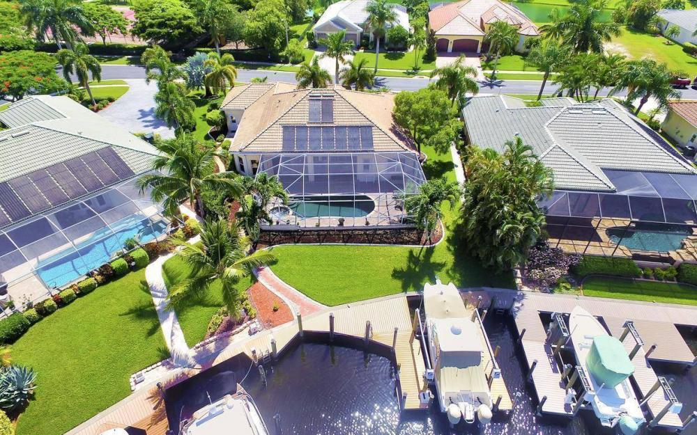 5512 Harbour Cir, Cape Coral - Estate Home For Sale 537450040