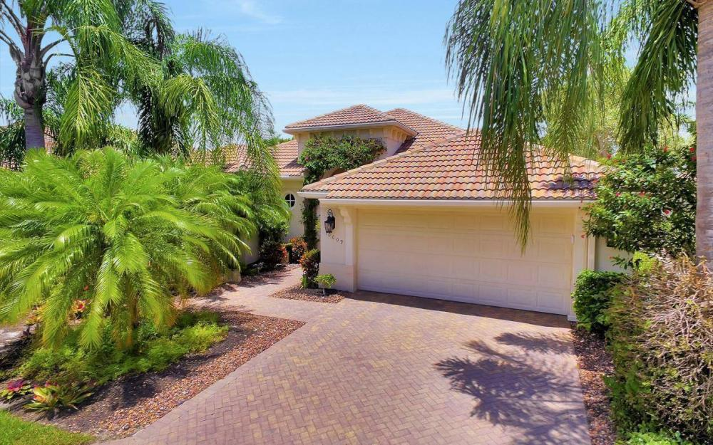 10009 St Moritz Dr, Miromar Lakes - Home For Sale 810904995