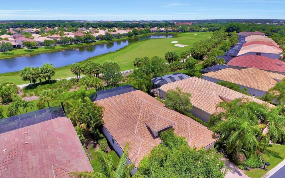 10009 St Moritz Dr, Miromar Lakes - Home For Sale 1107221372