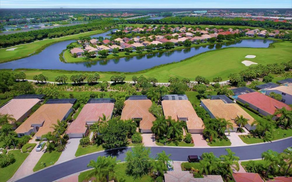 10009 St Moritz Dr, Miromar Lakes - Home For Sale 305932929