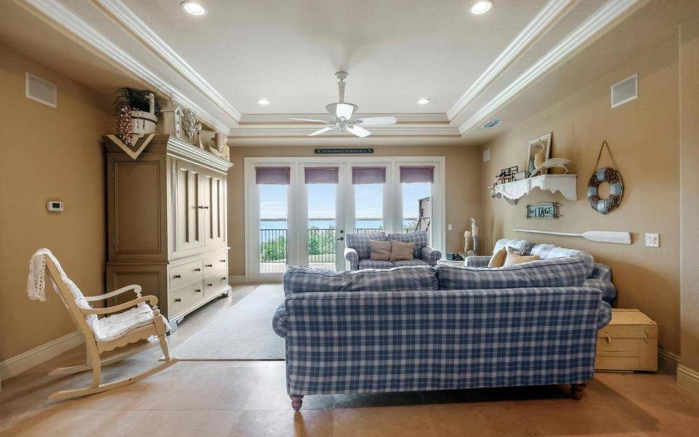 631 Inlet Dr, Marco Island - Estate Home For Sale 679153352