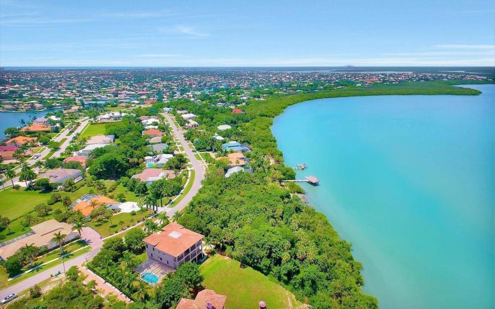631 Inlet Dr, Marco Island - Estate Home For Sale 2037717750
