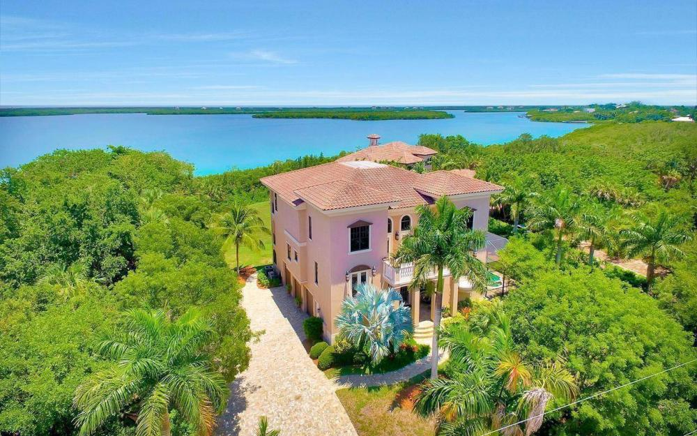 631 Inlet Dr, Marco Island - Estate Home For Sale 94122910