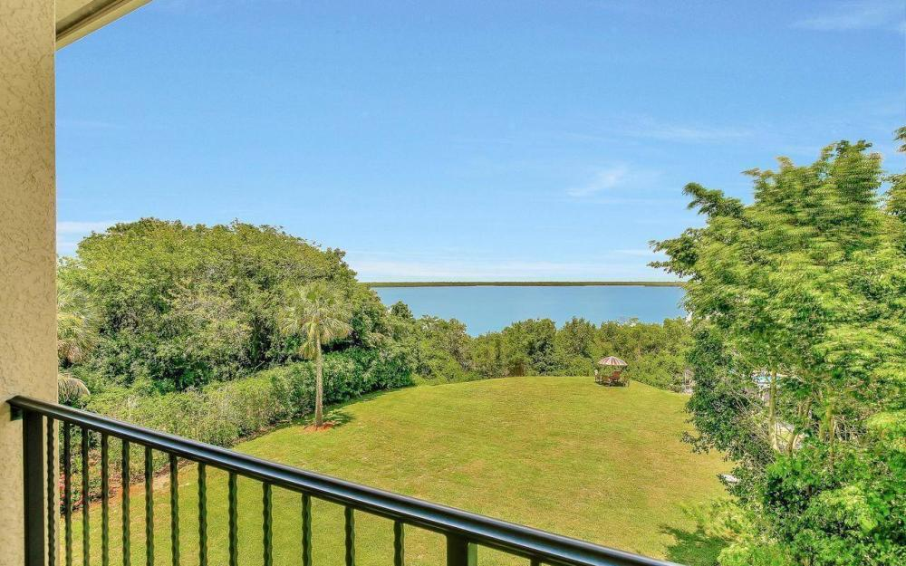 631 Inlet Dr, Marco Island - Estate Home For Sale 2092775912
