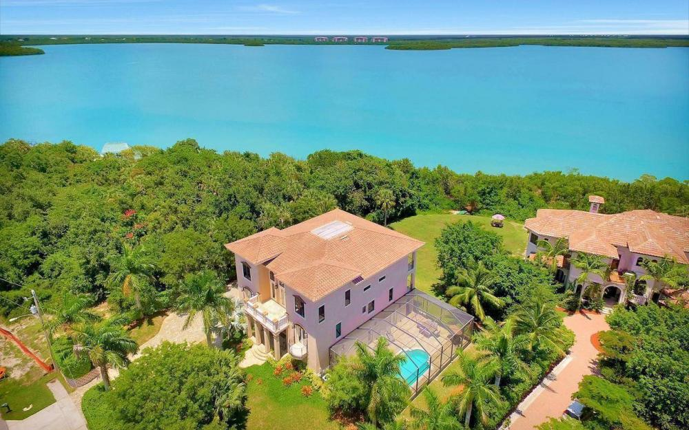 631 Inlet Dr, Marco Island - Estate Home For Sale 1104089854