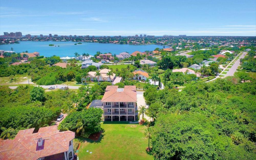631 Inlet Dr, Marco Island - Estate Home For Sale 681204368