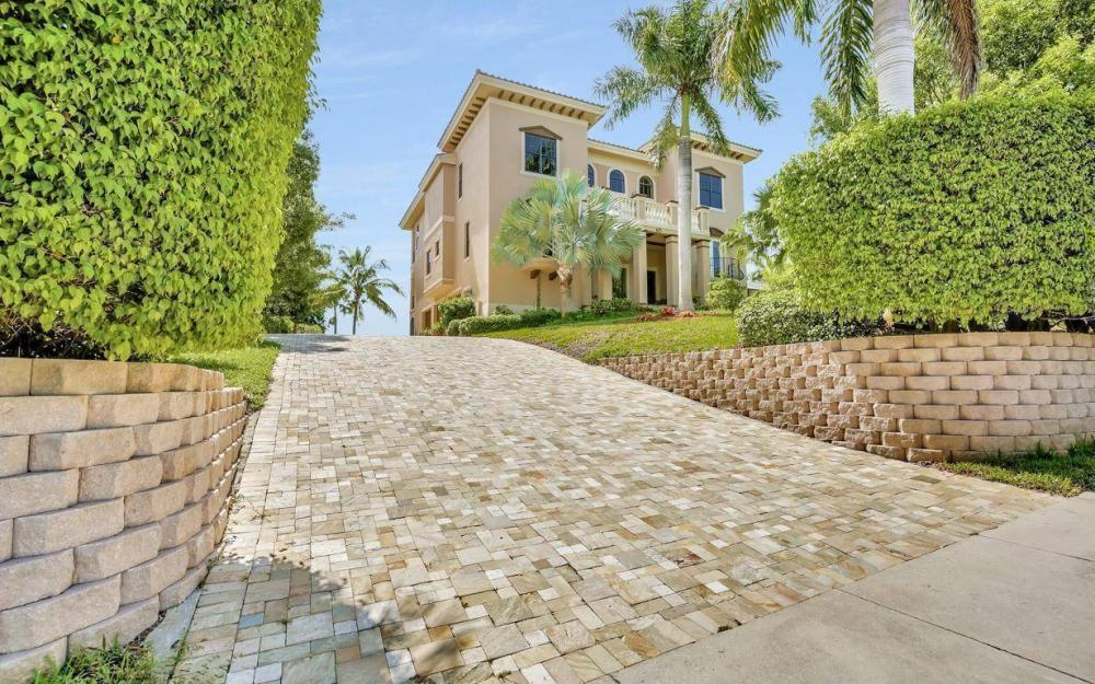 631 Inlet Dr, Marco Island - Estate Home For Sale 531210166