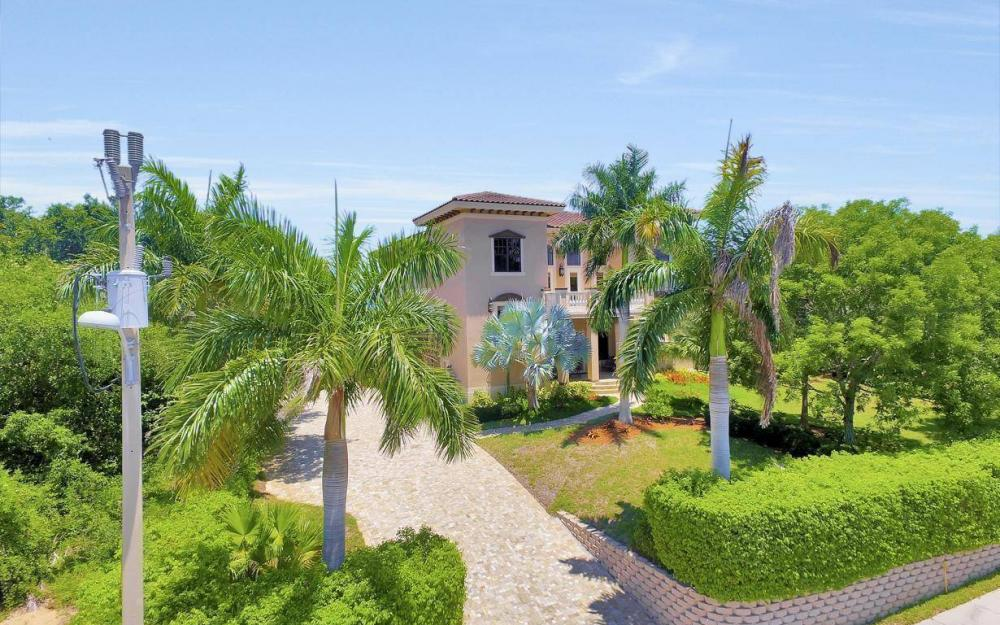 631 Inlet Dr, Marco Island - Estate Home For Sale 1609691558