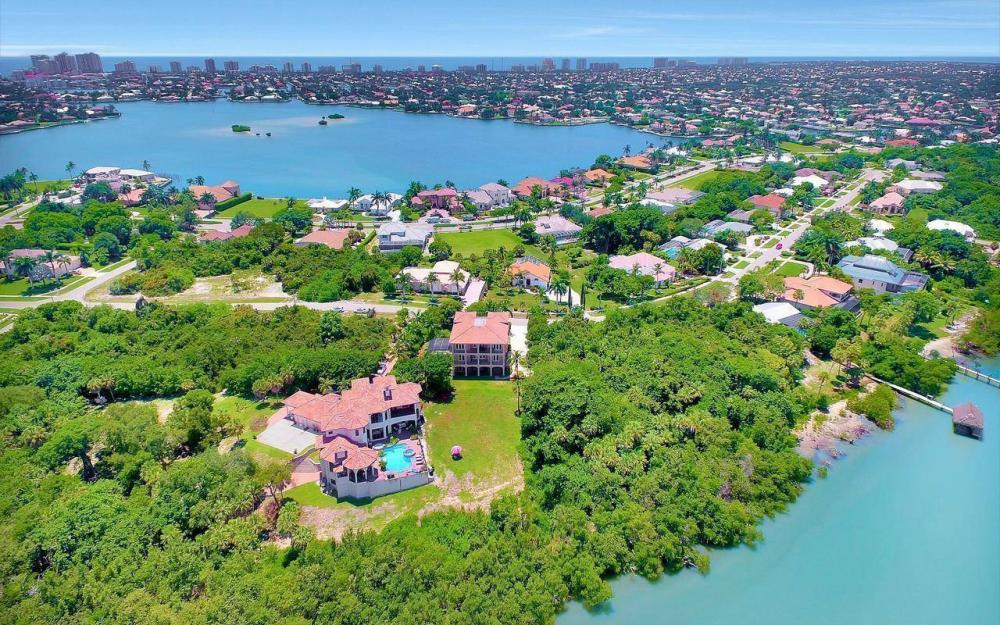 631 Inlet Dr, Marco Island - Estate Home For Sale 516185297