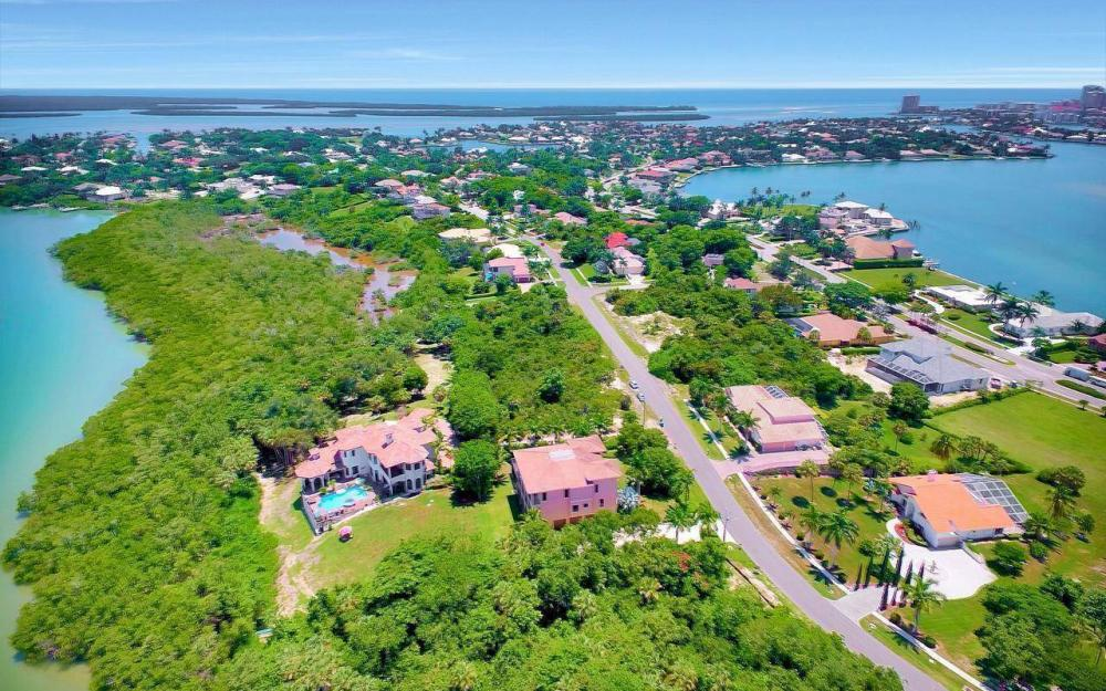 631 Inlet Dr, Marco Island - Estate Home For Sale 237818012