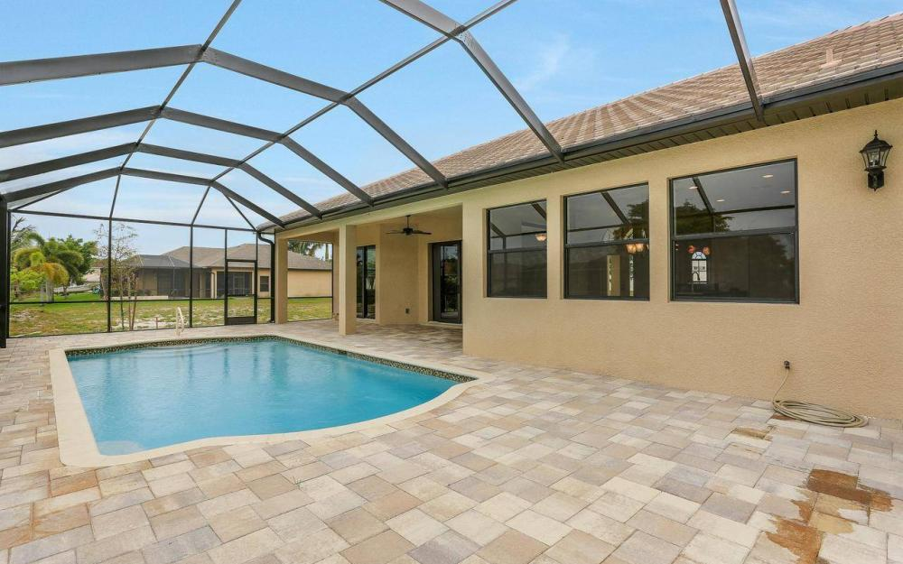 2205 SE 17th Pl, Cape Coral - Home For Sale 620212845