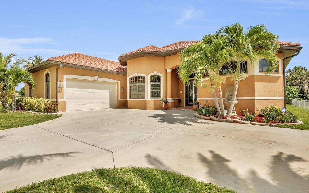 225 SW 22nd Ter, Cape Coral - Home For Sale 711967487