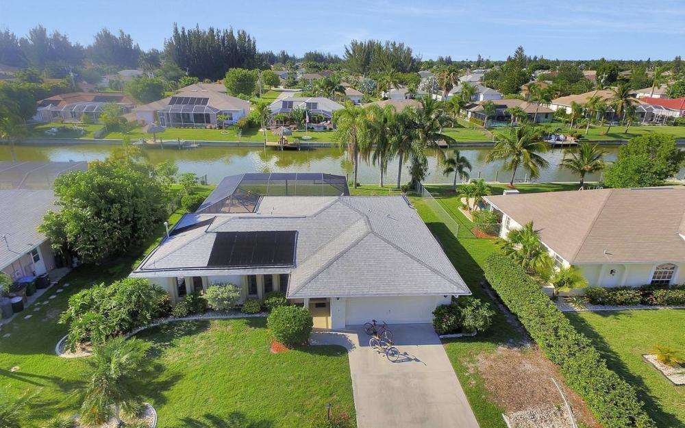 237 Aviation Pkwy, Cape Coral - Home For Sale 78785510