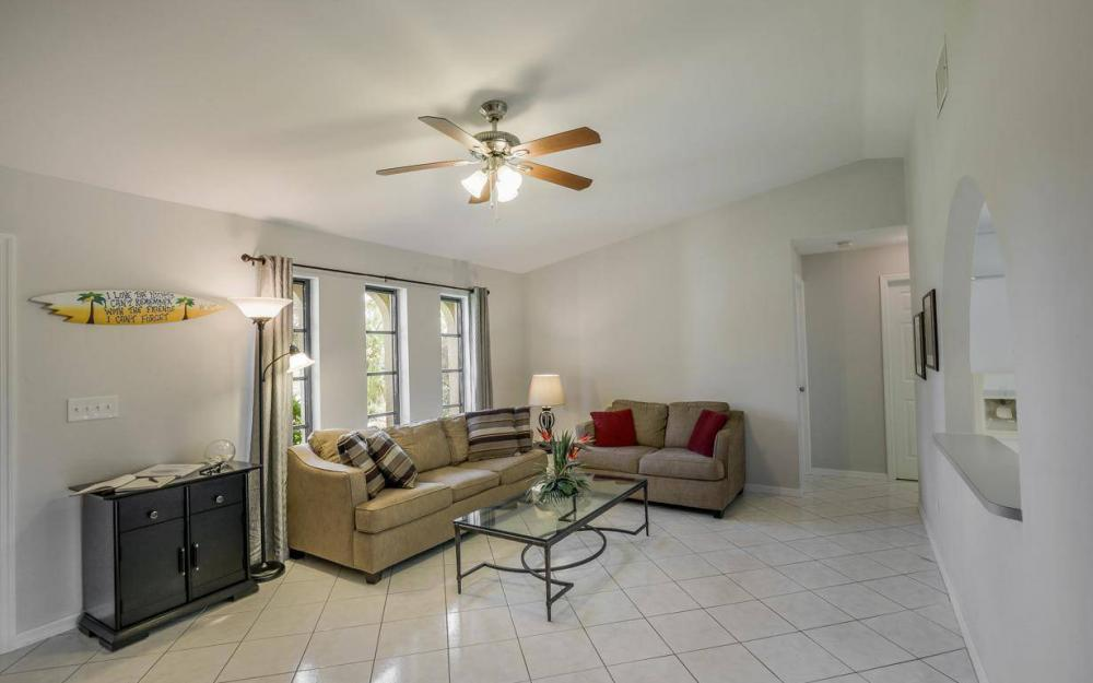 237 Aviation Pkwy, Cape Coral - Home For Sale 1724966985