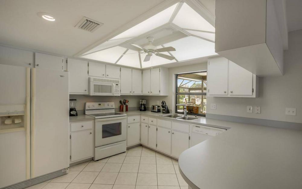237 Aviation Pkwy, Cape Coral - Home For Sale 1285079031