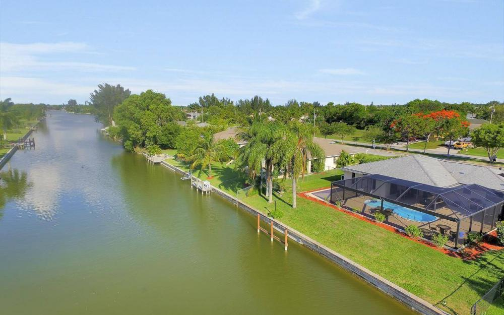 237 Aviation Pkwy, Cape Coral - Home For Sale 83014712