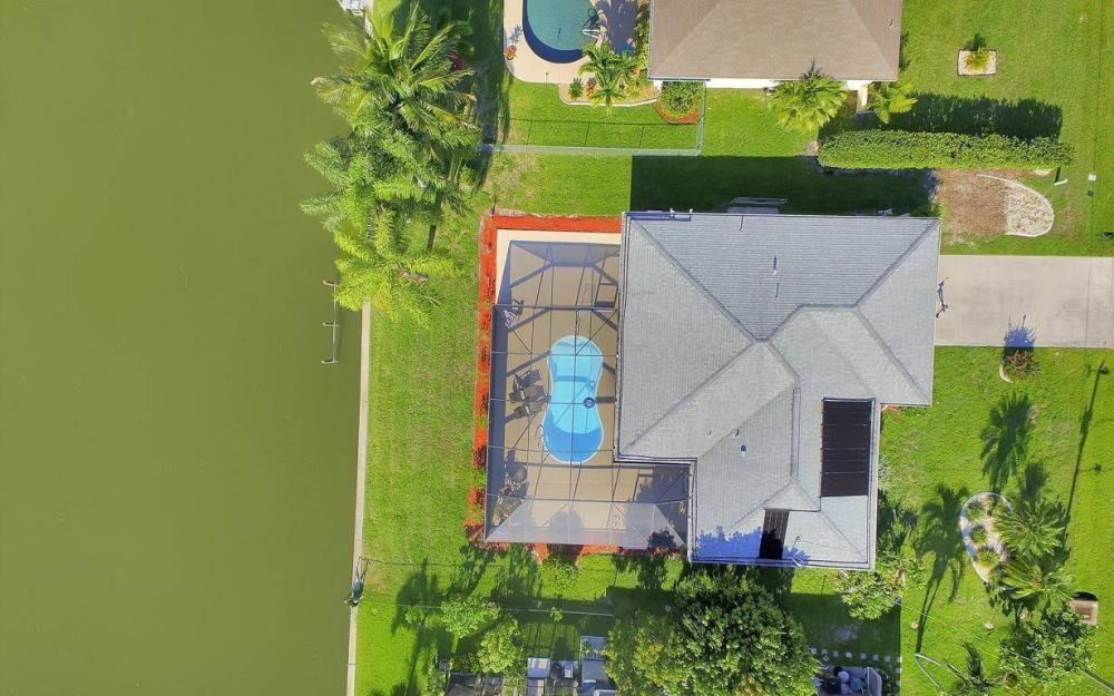 237 Aviation Pkwy, Cape Coral - Home For Sale 258537602