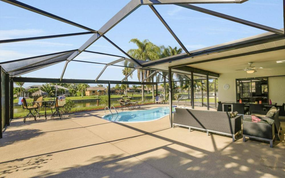 237 Aviation Pkwy, Cape Coral - Home For Sale 377697893