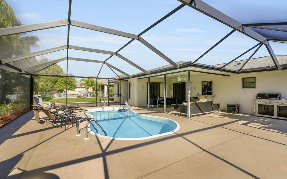 237 Aviation Pkwy, Cape Coral - Home For Sale 435909673