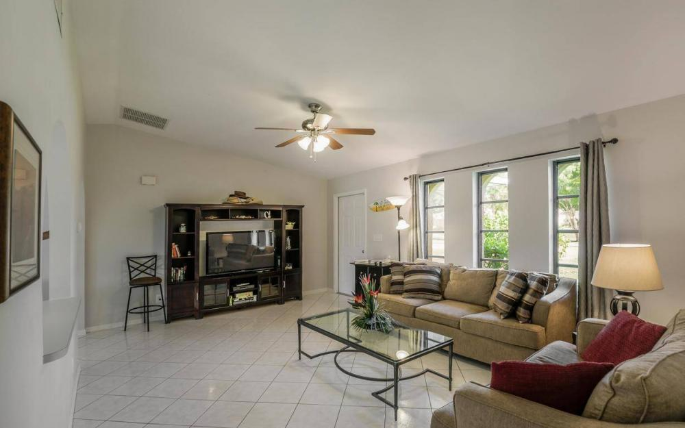 237 Aviation Pkwy, Cape Coral - Home For Sale 1906352389