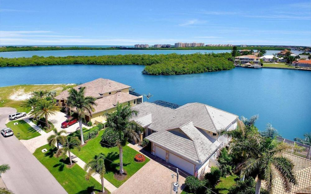 650 Rockport Ct, Marco Island - Home For Sale 468731538