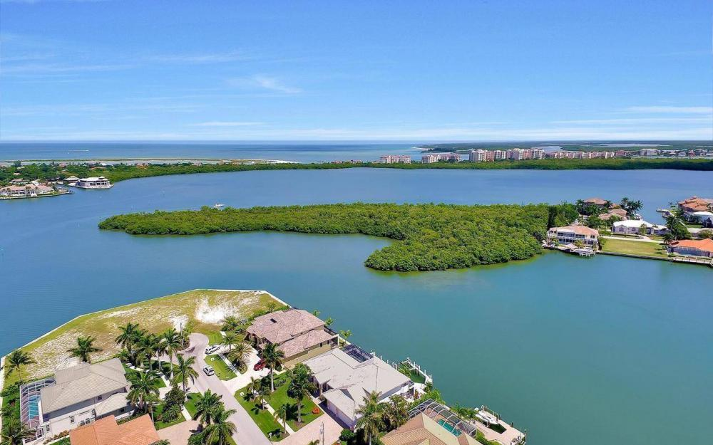 650 Rockport Ct, Marco Island - Home For Sale 1642815612
