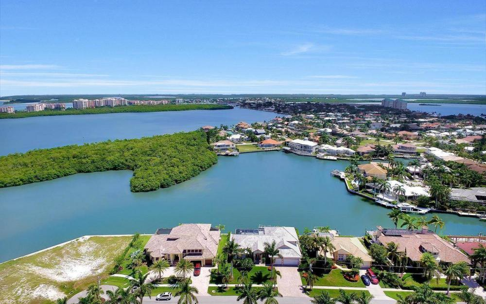 650 Rockport Ct, Marco Island - Home For Sale 499177568