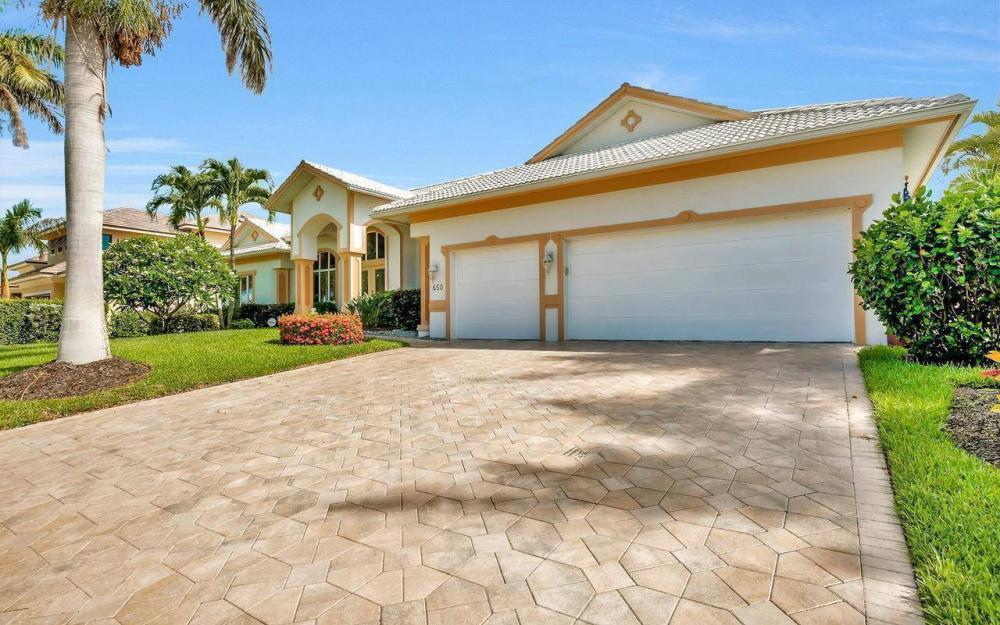 650 Rockport Ct, Marco Island - Home For Sale 21869301