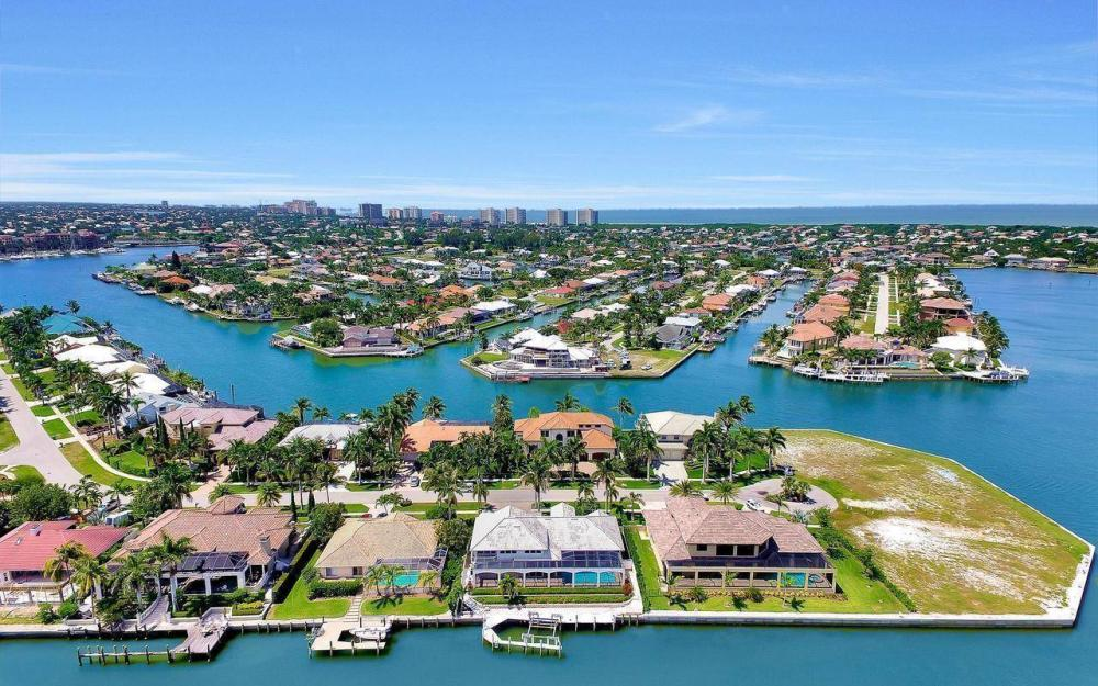 650 Rockport Ct, Marco Island - Home For Sale 1598181856