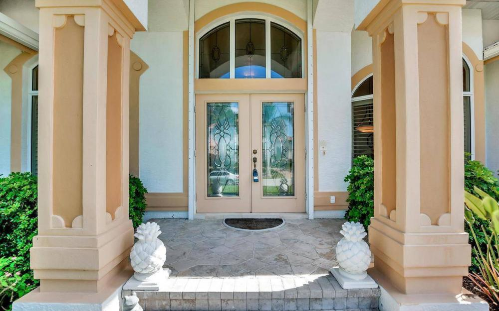 650 Rockport Ct, Marco Island - Home For Sale 991140934