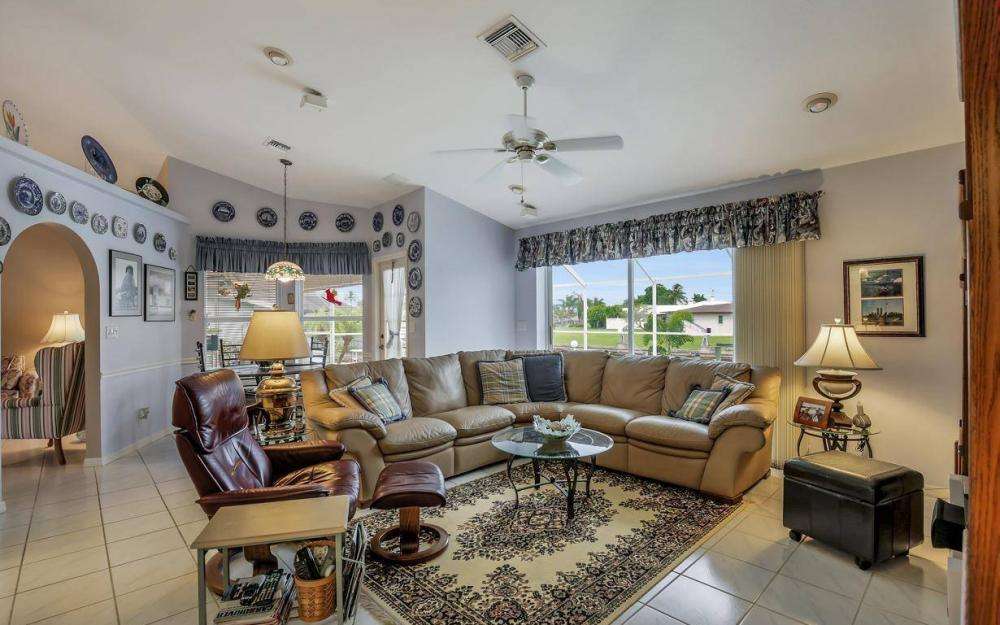 5034 Saxony Ct, Cape Coral - Home For Sale 1742989707