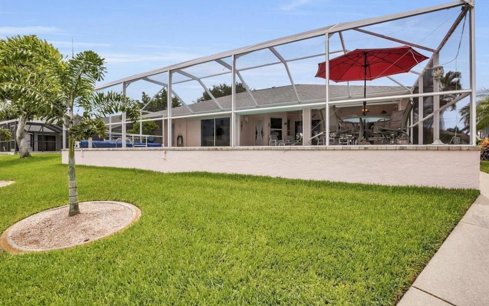 5034 Saxony Ct, Cape Coral - Home For Sale 950467122