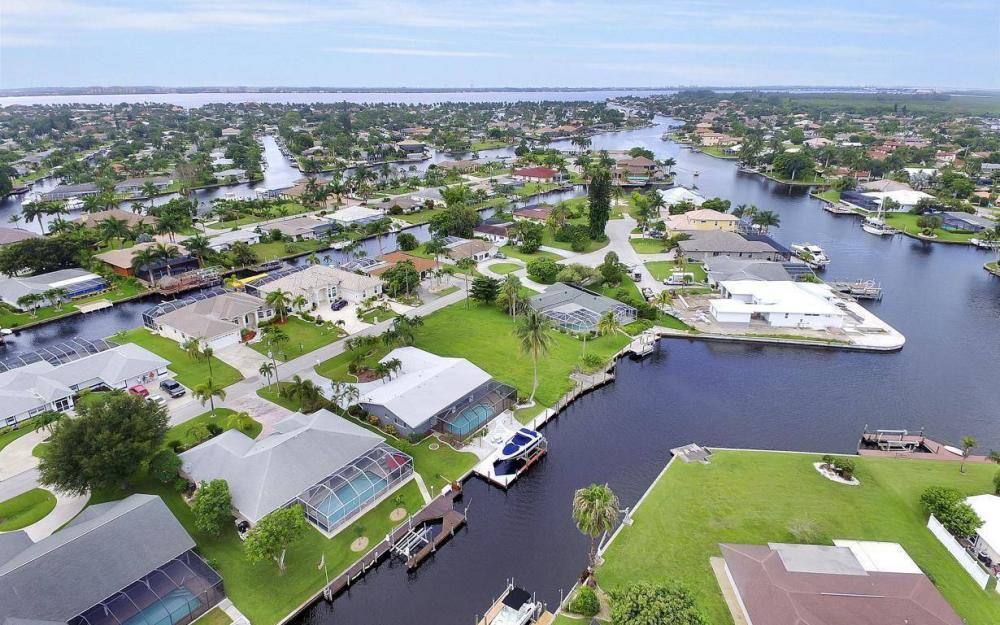 5034 Saxony Ct, Cape Coral - Home For Sale 1740145234