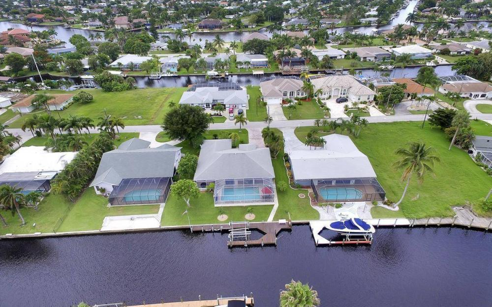 5034 Saxony Ct, Cape Coral - Home For Sale 1304838835
