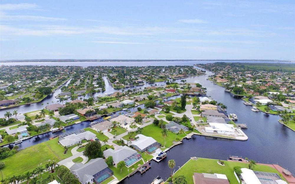 5034 Saxony Ct, Cape Coral - Home For Sale 840793123